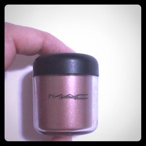 MAC gold stroke pigment (discontinued)